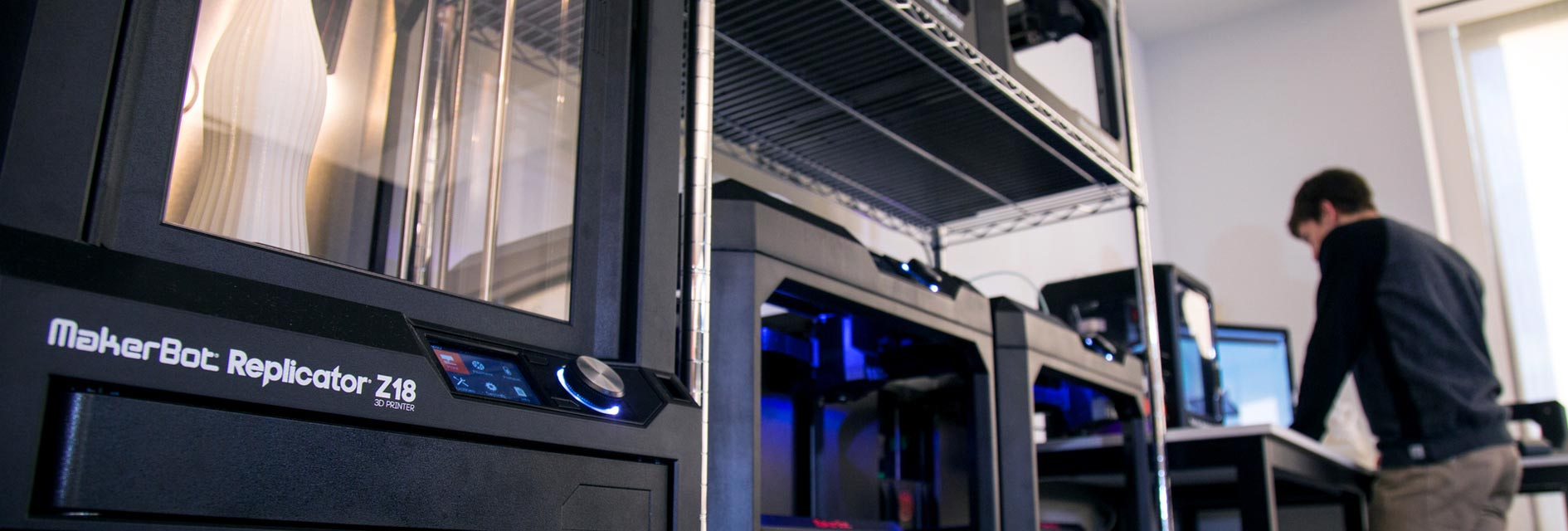 3D Drucker und MakerBot und Formlabs Schweiz Reseller, Support und Bildungs Webseite. 3D Drucker Lösungen / Schulungen aus Zürich für Schule, Bildungsinstitutionen, Unternehmen und Private.